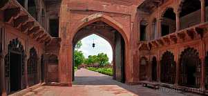Asia; India; Agra; Red Fort; gate