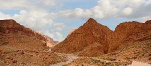 1CE2-2070; 9378 x 4123 pix; Africa, Morocco, Atlas, mountains, road