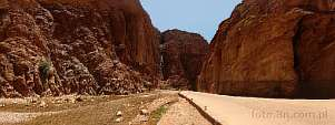 Africa; Morocco; Atlas; mountains; road; Todrha gorge; Todra gorge; Todgha gorge
